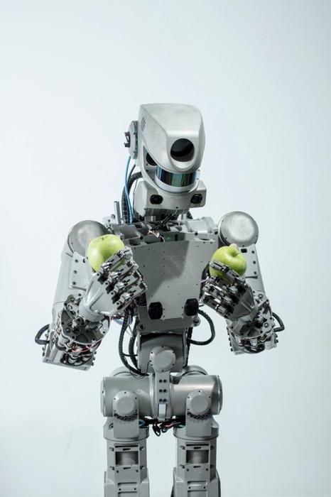 Робот Федор. Фотограф Арсений Несходимов. Съемка для РБК